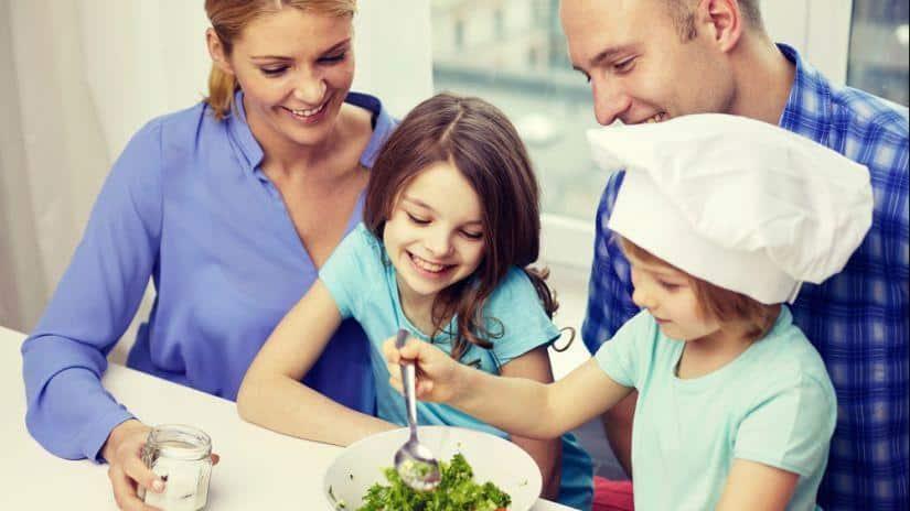 ¿Cómo cuidar la alimentación de los niños?